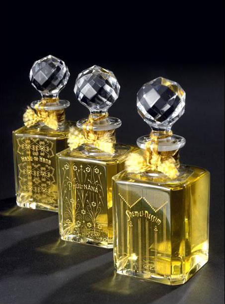 grossmith-baccarat-exclusive-baccarat-crystal-perfumes