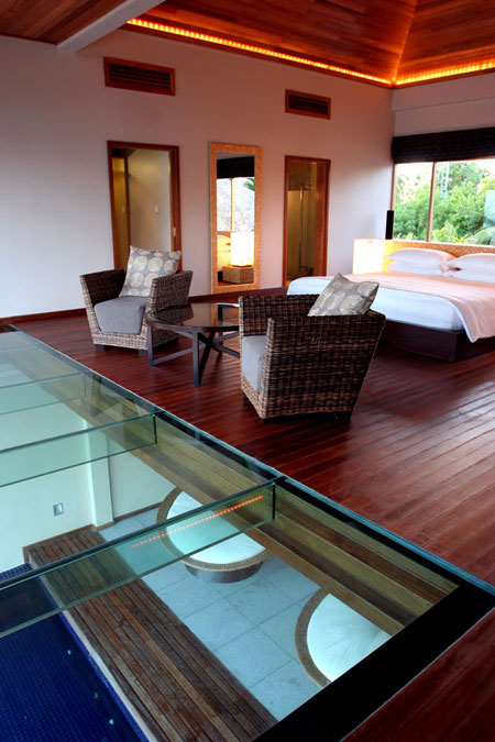 Huvafen Fushi Maldives glass floor