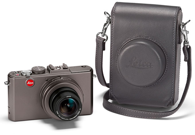 LEICA D-LUX 5 TITANIUM camera with case