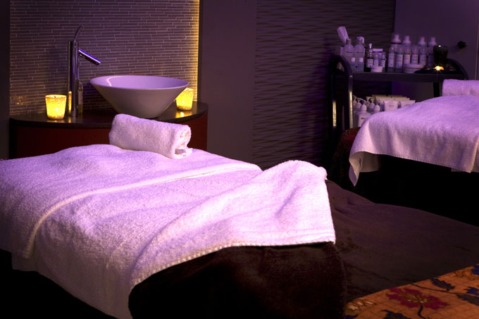 Gelishious Indulgence Package at the Athenaeum Hotel Spa
