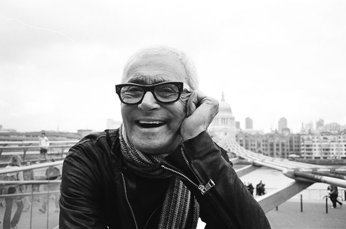 Vidal Sassoon in person - black and white photo