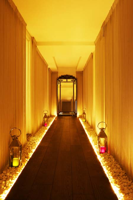Adamina Spa of Kensington Hallway Image