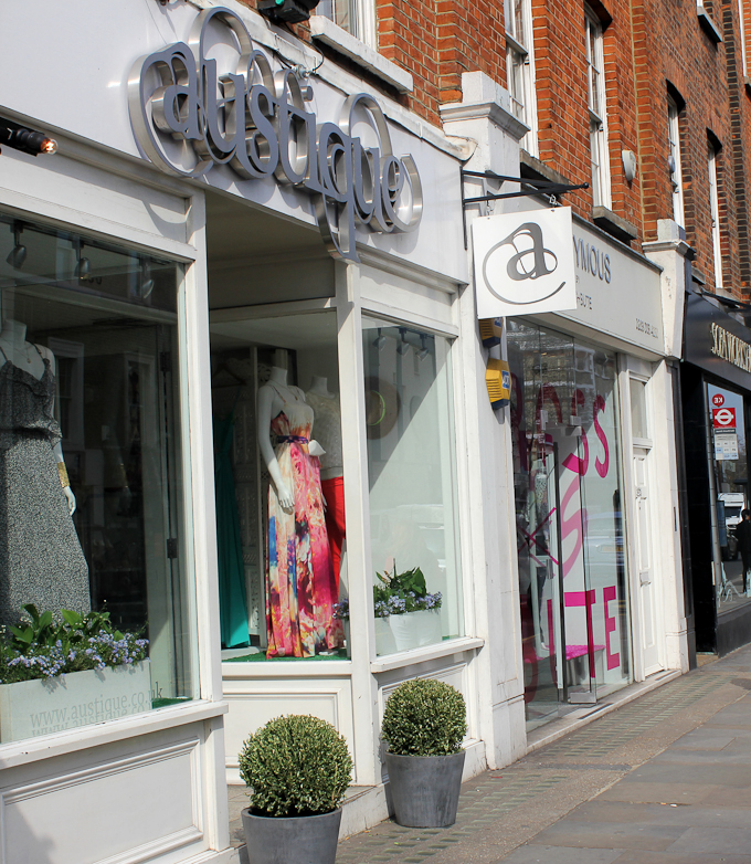 Austique Fashion Boutique Kings Road Chelsea exterior image