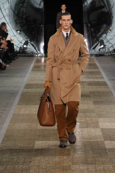 Louis Vuitton Autumn/Winter 2012 catwalk image