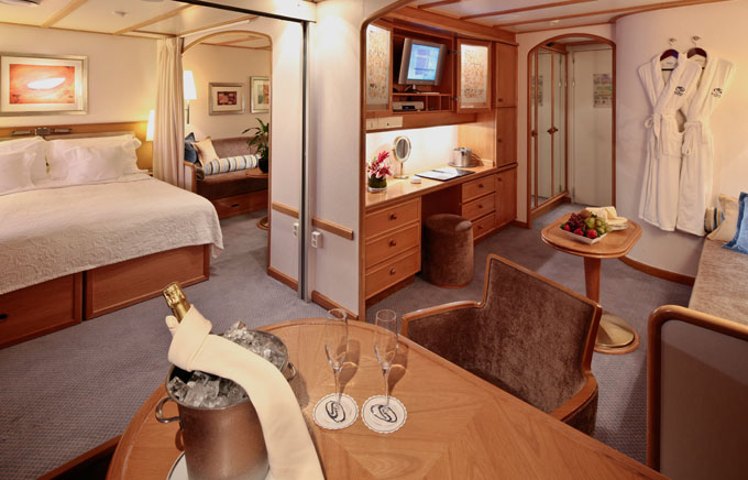 Commodore Suite on Seadream yacht