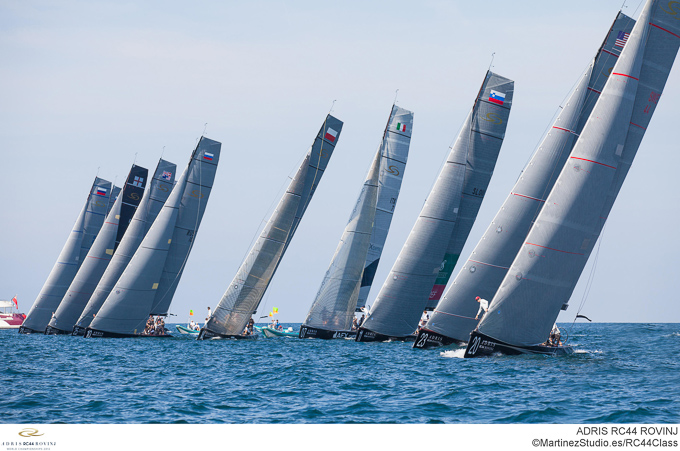 RC44 World Championships 2012 start line
