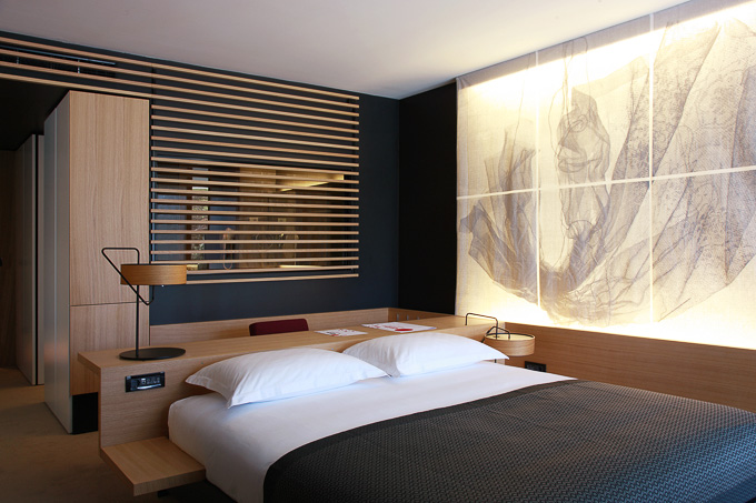 interior image of modern Hotel Lone with backlit printing on textiles by Silvio Vujiƒiå