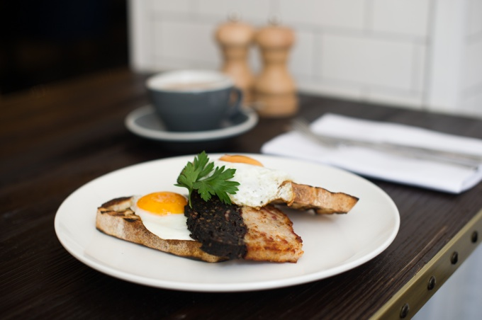 Apero Restaurant at The Ampersand Hotel in London: Fried Eggs & Black Pudding on Toast
