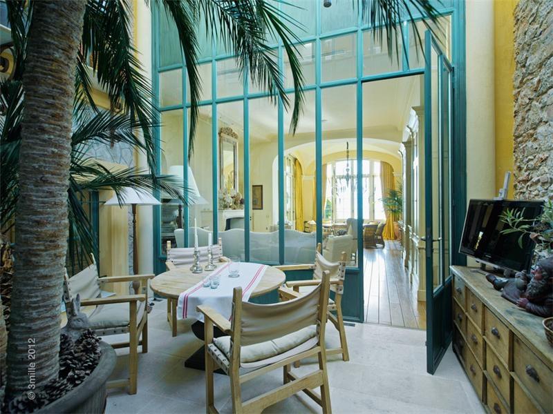 Live like the great gatsby mediterranean style villa for for Interior design villa style