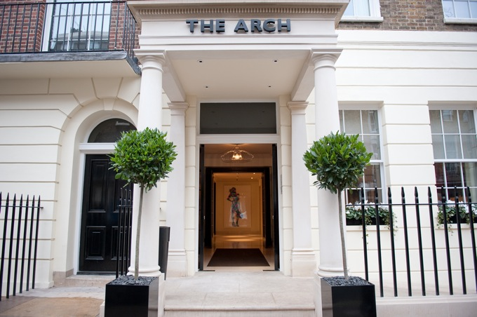 Entrance, The Arch London.  This photograph must be credited to The Arch London