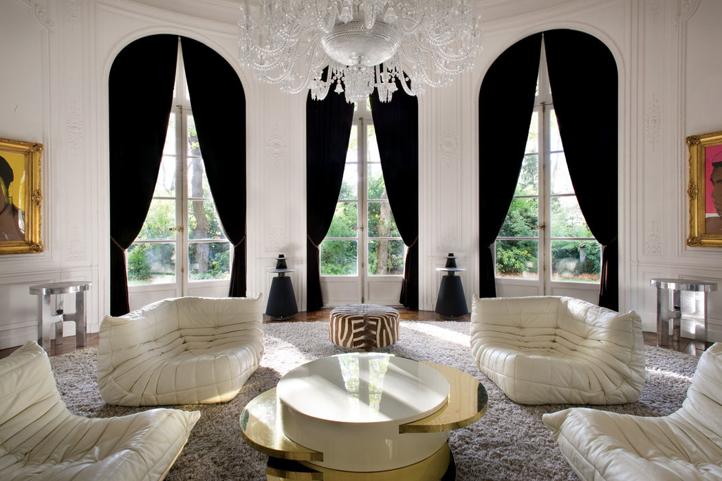 lenny kravitz transforms his private parisian residence into a luxury design creation. Black Bedroom Furniture Sets. Home Design Ideas