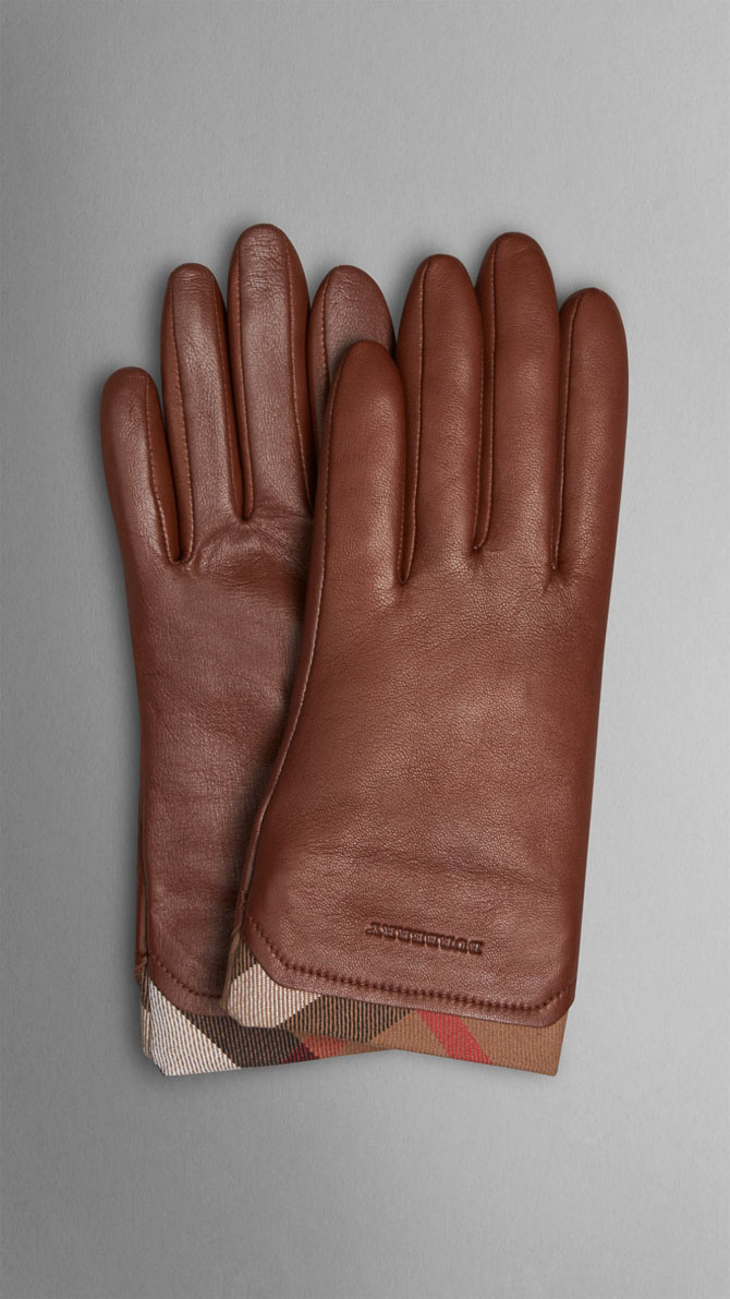 Winter Fashion Must-Haves for 2014-2015_Burberry gloves